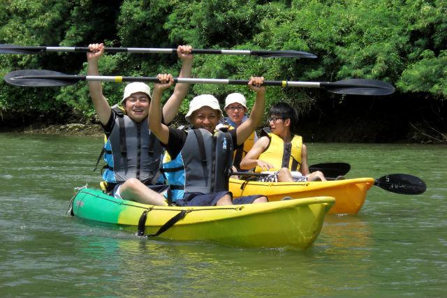 【沖縄・中部・カヤック】迫力満点のジャングルを進む!マングローブ探検カヤック