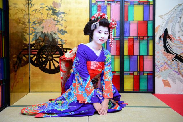 【京都・舞妓体験】京都・花街ならではの体験!写真撮影付きの舞妓体験