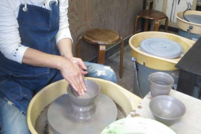 【伊豆高原・陶芸体験】電動ろくろを使った本格体験!門脇吊り橋近くの陶芸工房です