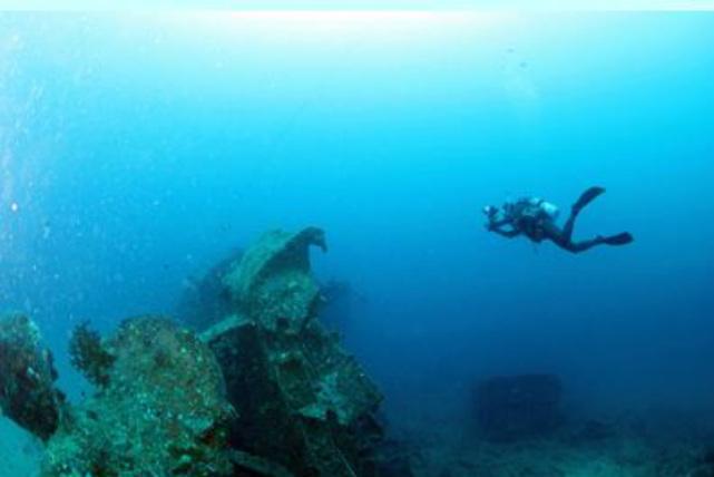 【沖縄・伊江島・ファンダイビング】ドロップオフや洞窟が見られる!伊江島・3ボートダイビング