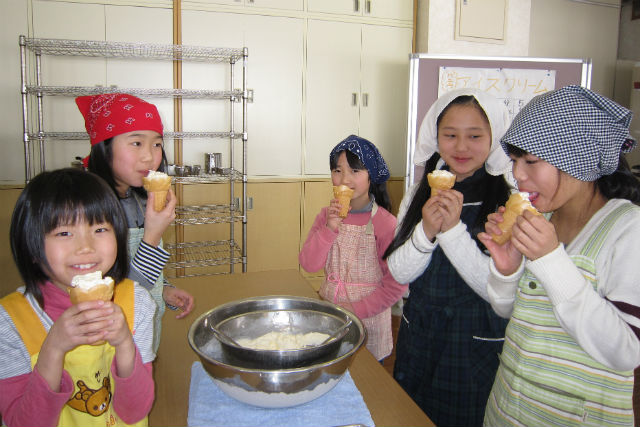 【福井県・料理体験】福井県産の牛乳を贅沢に使用!濃厚アイスクリーム作りに挑戦しよう!