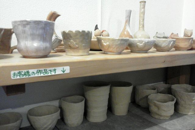 【山口・湯田温泉・陶芸体験】使うほどに味が出る!手びねりで萩焼の器を作ろう
