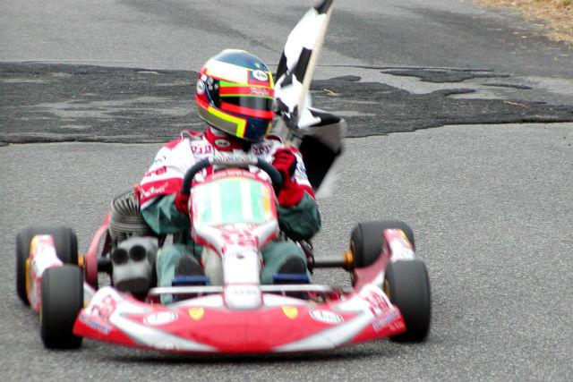 【広島・レンタルカート】レーシングカートを乗りこなし、コース走行を楽しもう!