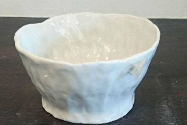 【石川・片山津温泉・手びねり】キュートな仕上がりの器を作ろう!陶芸体験・粘土700gコース