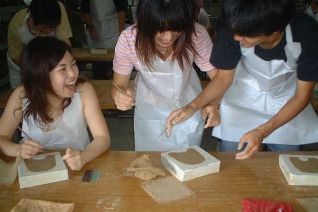 【奈良・伝統工芸体験】お守りにぴったり!一生モノの記念に、ミニ鬼瓦を手づくりしよう