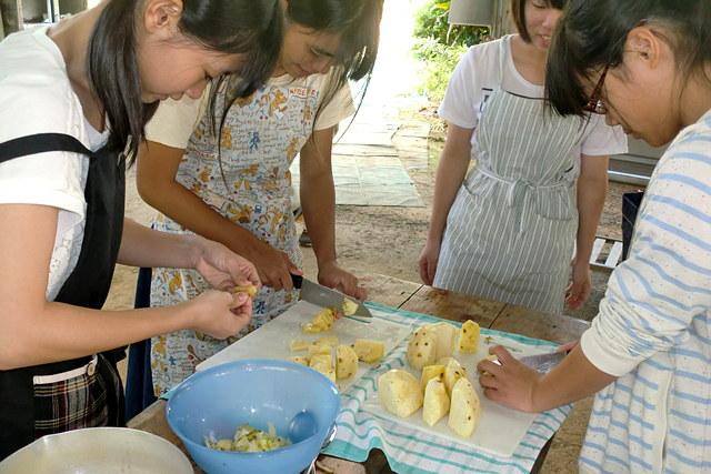 【沖縄・宜野座・料理体験】県産の絶品パインを使用!贅沢なパインジャム作り!
