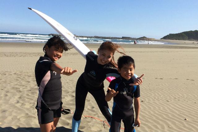 【宮崎・サーフィン】お倉が浜での2時間レッスン!レベルに応じた指導が受けられます