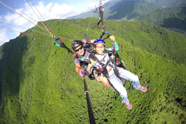 【兵庫・パラグライダー体験】インストラクターと2人乗り!400m~600mの山から飛ぼう