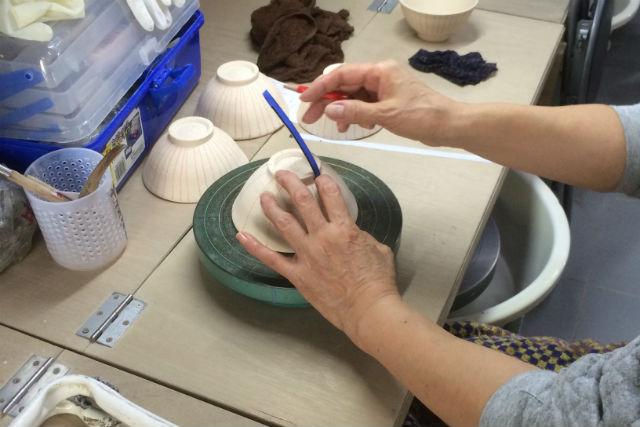 【大阪・陶芸体験・手びねり】陶芸の魅力をじっくり堪能!初心者にもオススメの手びねり作陶