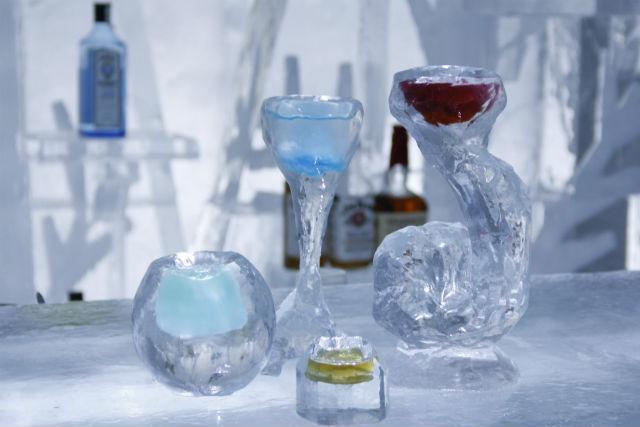 【北海道・然別湖・彫刻体験】至極の1杯を味わおう。氷のグラスを作るアイスカービング
