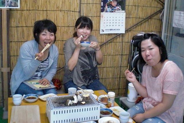 【大分県日田市・しいたけ狩り】未知のぷりっぷり食感!5種類のタレで味くらべも楽しい