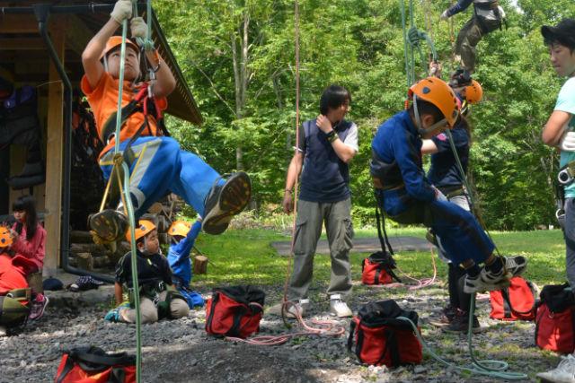 【岩手・久慈・ツリーイング】小学生でも安全・簡単に木登り!ロープで楽しむツリーイング体験★写真プレゼント