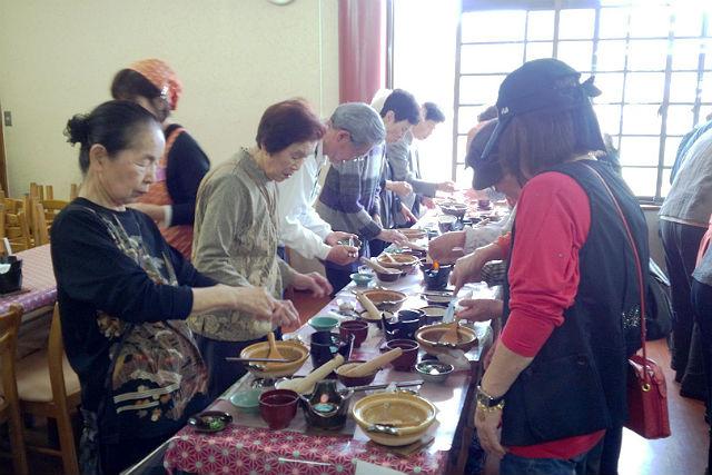 【滋賀・料理体験】ごま豆腐作り&絶品「近江鶏のすきやき」が味わえる充実プラン