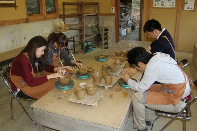 【滋賀県信楽町・陶芸・手びねり】自分の手で信楽焼を作ろう!手びねり陶芸体験