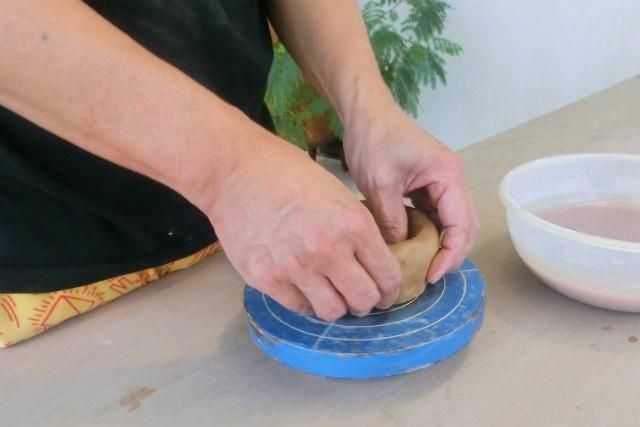 【沖縄県うるま市・陶芸・手びねり】1日1組限定の貸切プラン!自分のペースで作陶しよう