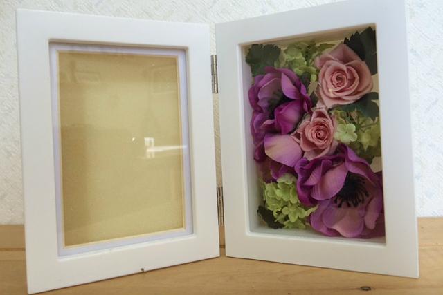 【神奈川・フラワーアレンジメント】お花が写真の美しさを引き立てる!フォトスタンド