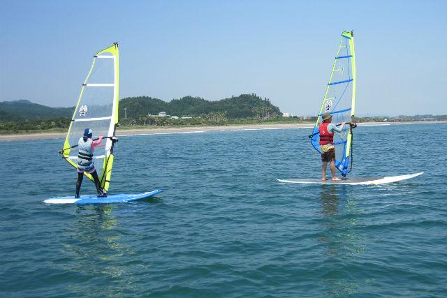 【宮崎・ウィンドサーフィン】風のチカラでどこまでも!初心者に最適なウィンドサーフィン体験