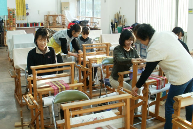 【山梨・大月市・織物体験】好みの色合いでコースターを作ろう!