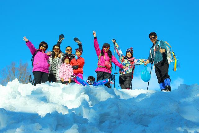 【新潟・十日町・スノーシュー】ふわふわの新雪を歩く快感!温泉付ぷらっと半日コース
