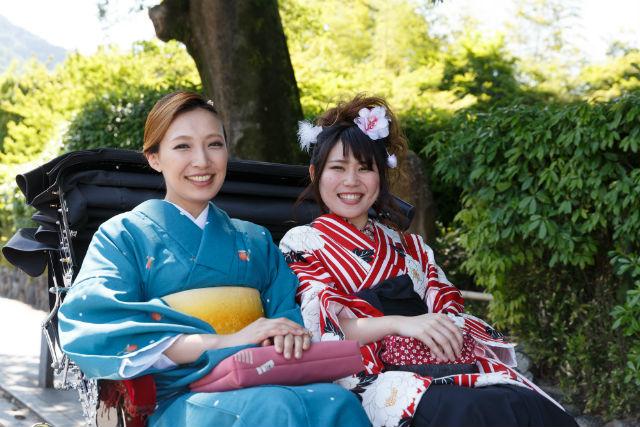 【京都・着物レンタル・小振袖】街めぐりプラン!手ぶらで気軽に礼装を。粋に、華やかに京都の街散策
