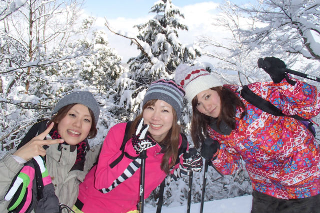 【滋賀・マキノ高原・スノーシュー】銀世界を楽しもう!スノーシューツアー