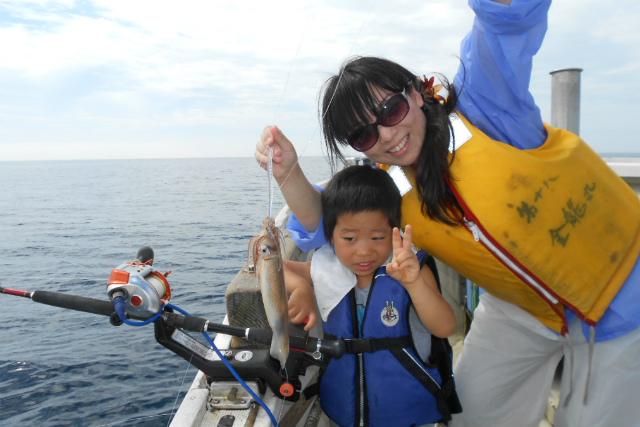 【函館・海釣り】名物「イカ釣り」に挑戦!アタリを待って一気に釣り上げよう