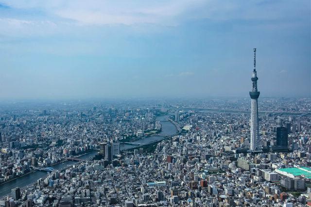 【東京・ヘリコプター遊覧・貸切】ヘリコプターで空のお散歩~東京タワー・スカイツリー周遊