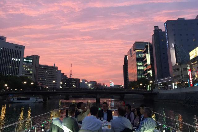 【福岡・博多・クルージング】夜のロマンチックな船旅をどうぞ!博多湾クルーズ