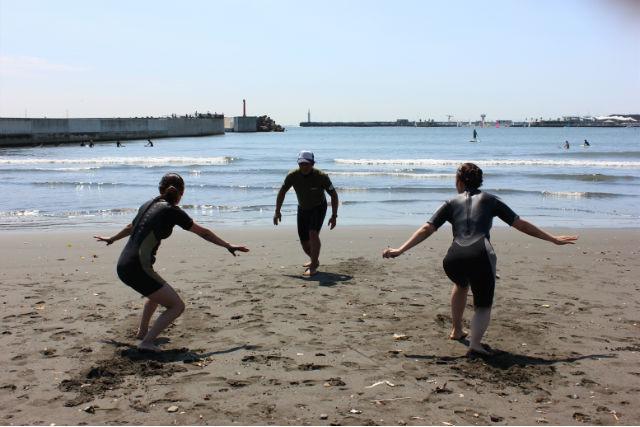 【神奈川・湘南・サーフィンスクール】割引価格で充実サーフィンレッスン!(2名以上参加用)