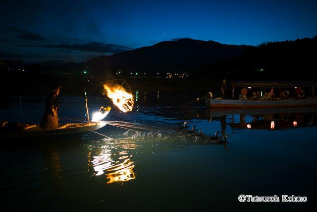 【愛媛・大洲・川下り・乗合】夏の夜の幻想的な船旅へ。日本三大鵜飼を満喫!