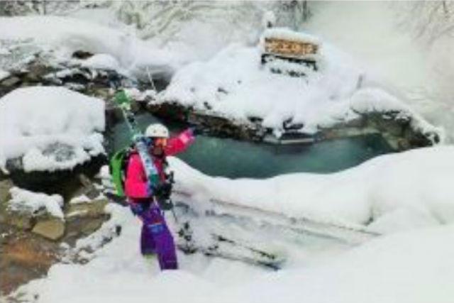 【北海道・富良野・日帰り温泉】映画「北の国から」で有名な温泉へ!雪見露天風呂&バーベキューツアー