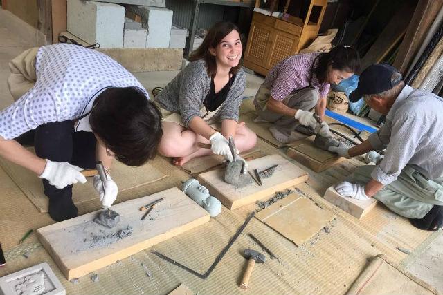 【石川・ガイドツアー】石細工体験から、築100年以上の石橋見学まで!石づくしのサイクリングツアー