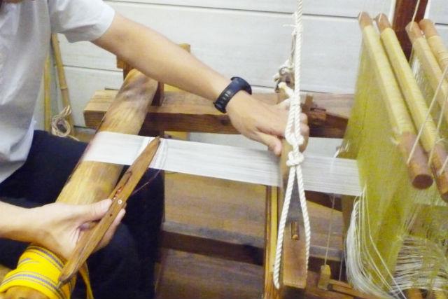 【京都・機織り体験】機織り体験で、織物作り!織物美術家の工房も見学できます