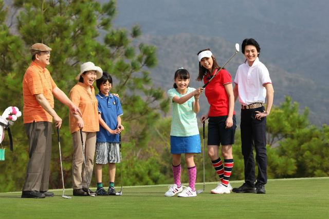 【埼玉・ゴルフ】豪華BBQランチ付!開放的なフィールドでパターゴルフを楽しもう