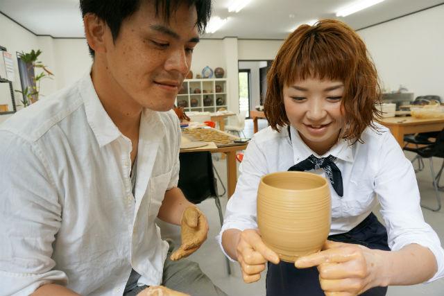 【徳島・陶芸体験】徳島の伝統的な器を、快適な空間でつくろう!電動ろくろコース