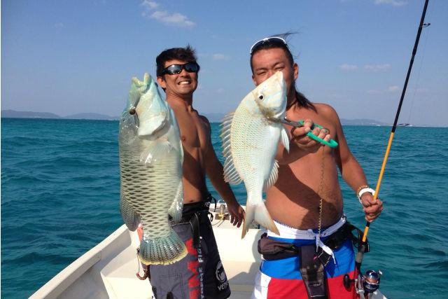 【沖縄・石垣島・釣り体験】レジャー気分で釣りを満喫!小物狙いも大物狙いもOK(1日ツアー)