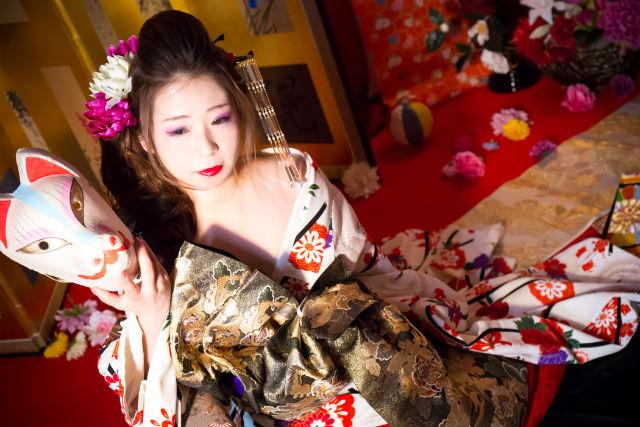 【大阪・心斎橋・花魁体験】ミニアルバム2面+データ20枚!牡丹(ぼたん)コース