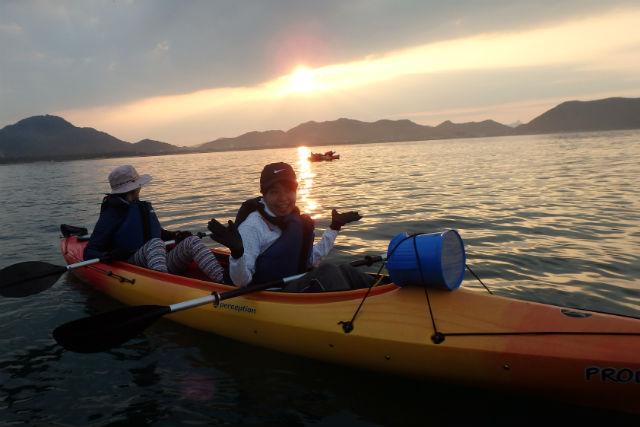 【香川・カヤック】夏限定!海に沈む夕陽を眺めにサンセット・シーカヤック!