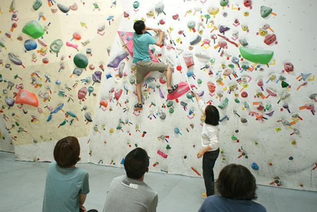【大阪・東大阪・ボルダリング】ボルダリングを始めたい方に!道具レンタル・レクチャー付きプラン