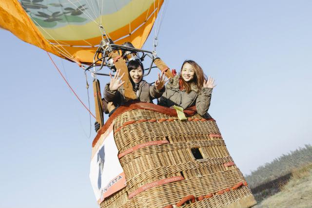 【栃木県・栃木市・熱気球】気流を読み風に乗る!空を自由に飛べるフリーフライト体験