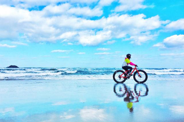 【鳥取・マウンテンバイク】ファットバイクを満喫!鳥取砂丘・山道・ビーチを行く絶景ツアー