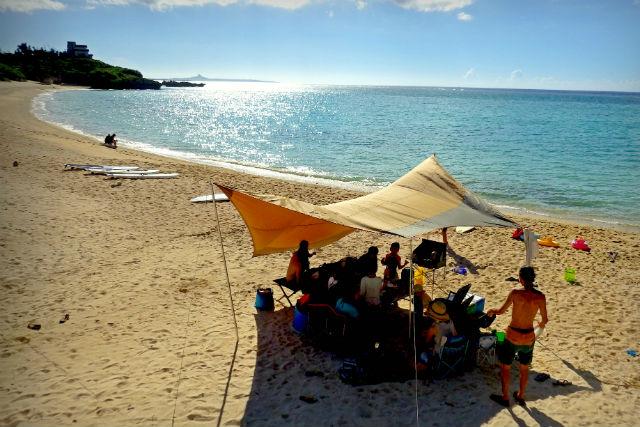 【沖縄・今帰仁・マリンスポーツ】1日1組限定!家族みんなでビーチピクニック!(ランチ付き)
