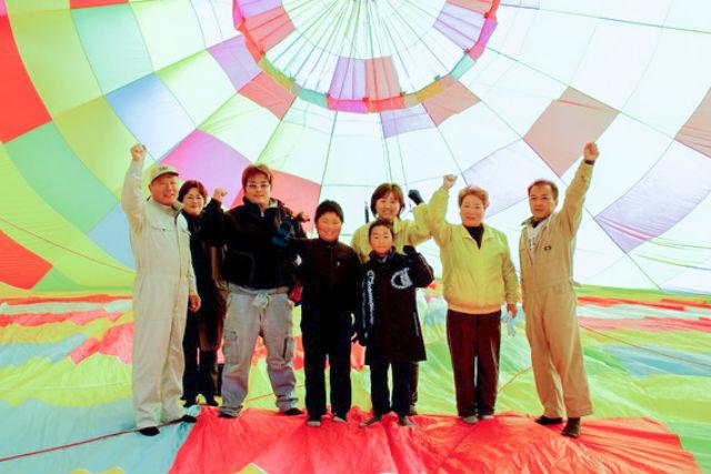【岐阜・熱気球】高度25メートルを空中散歩!気軽に楽しめる係留フライト体験