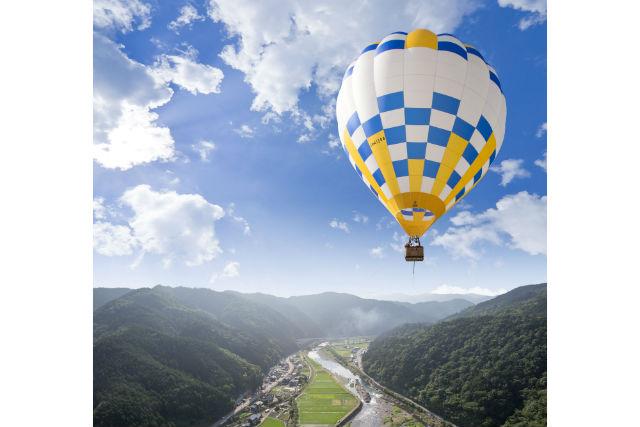 【岐阜・熱気球】高度50メートルへ!清流・長良川を望む、熱気球係留フライト体験