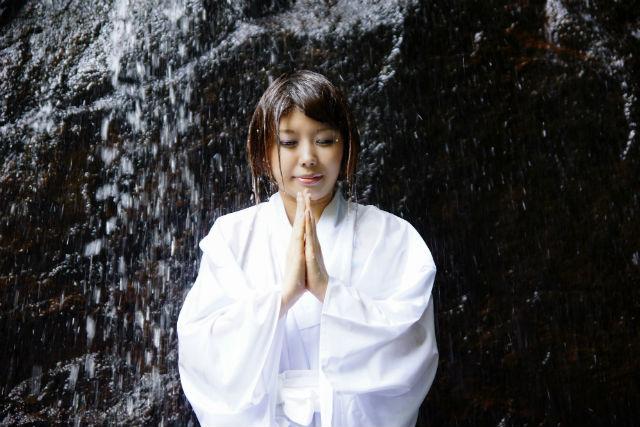 【三重・名張・エコツアー】滝に打たれる貴重な体験!いざ、明鏡止水の境地へ