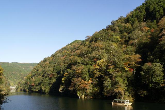 【大分・観光船】自然豊かなダム湖をゆく。松原ダム湖遊覧ツアー