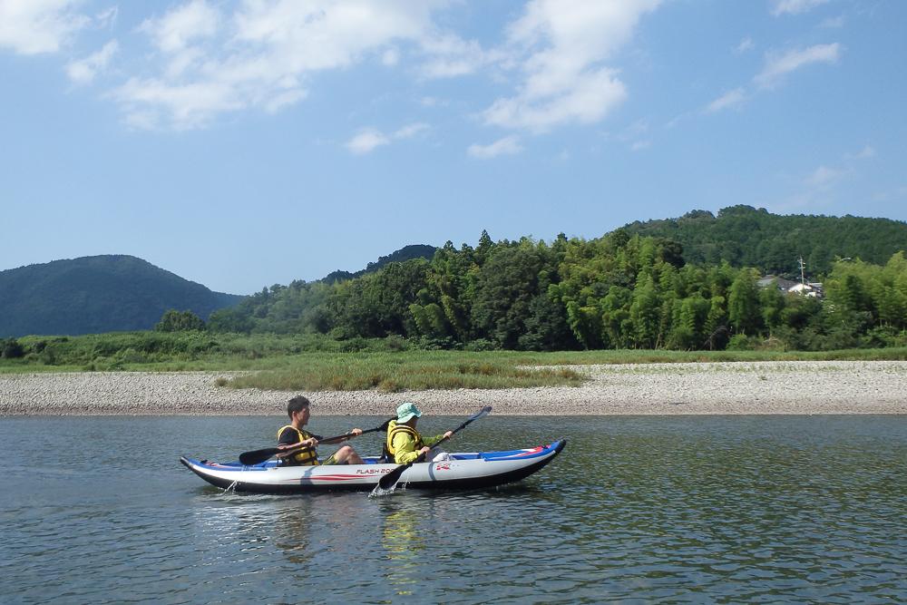【三重・ダッキー】二人乗りボートで川下り。伊勢宮川ダウンリバー(昼食付)