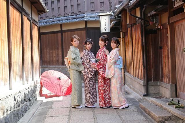 【京都・着物レンタル】本物志向の方へ!国産着物と西陣織の帯で大変身!カジュアルコース(ヘアセット付)