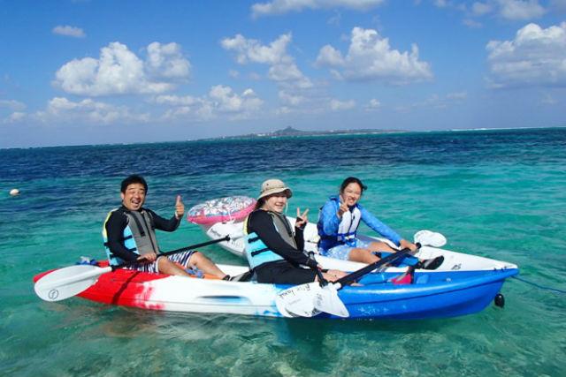 【沖縄・本部町・カヤック】備瀬のイノーに癒される!熱帯魚を眺めながら、のんびり海上散歩!