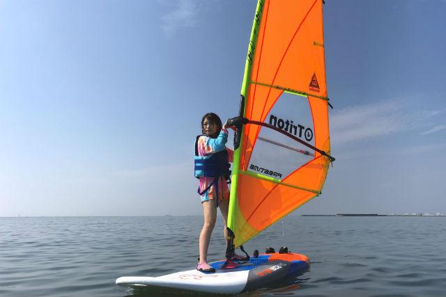 【千葉市・ウィンドサーフィン】体力に自信のない方もOK!サクッと半日体験コース
